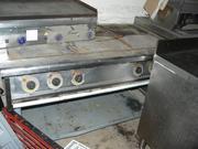 Продам электрическую плиту на 6 конфорок бу